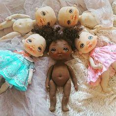 Dolls in the making process 👭👗👭 #alicemoonclub #ooak #fabricdolls #handmade #clothdoll #textile #cotton #dollsofinstagram #おもちゃ #artwork #인형#娃娃 #dollscollector #artdolls #vintage #likeforlike #giftideas #puppet #dollmaker #etsyseller #handcrafted #dollstagram #handmadedoll #dollscollection #dollforsale #giftideas #人形 #softdoll #doll