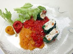 Sushi di caprino su salsa di peperoni