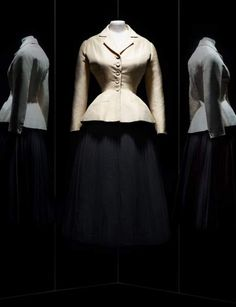 Expo Dior: 10 dream dresses to discover - Christian Dior, Bar suit, hau . - Expo Dior: 10 dream dresses to discover – Christian Dior, Bar suit, haute couture spring-summer 1 - Zac Posen, Fashion Week, Runway Fashion, Christian Dior, Satin Duchesse, Parfum Dior, Vogue, Expo, Mode Vintage