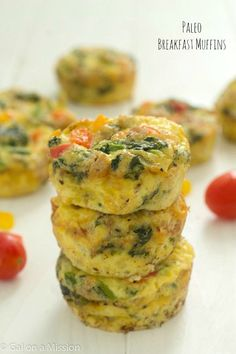 A delicious Paleo Breakfast Muffins Recipe via @galmission. Freezer-Friendly as well!