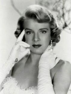 Rosemary Clooney (Mambo Italiano, Come On-a My House) George's aunt.