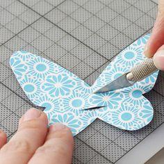 Trinkhalme mit Schmetterling verzieren