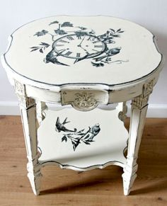 17 Stunning Decoupage Ideas To Makeover Your Furniture 10 shabby chic furniture chic furniture bedroom chic furniture colors chic furniture before and after chic furniture makeover Shabby Chic Mode, Shabby Chic Living Room, Shabby Chic Kitchen, Shabby Chic Style, Decoupage Furniture, Shabby Chic Furniture, Painted Furniture, Decoupage Ideas, Bedroom Furniture
