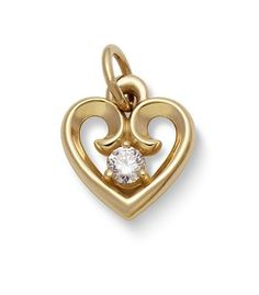 The Avery Remembrance Heart Pendant with Diamond is an elegant piece to wear on your wedding day. #JamesAvery #WeddingInspiration