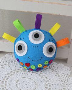 Free Felt Monster Patterns   softie , monster , felt toy