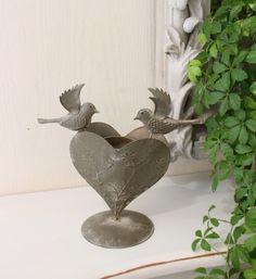 小鳥とハートのアイアンのキャンドル立て3種類あります🐦❤🐦セール中 #キャンドルホルダー#キャンドル立て#鳥#バード#ハート#アイアン#アンティーク調#ヨーロピアン#クラッシック#セール