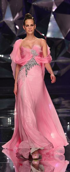 Abed Mahfouz - Couture - Spring-summer 2009 http://en.flip-zone.com/fashion/couture-1/independant-designers-41/abed-mahfouz-858 (Pink)