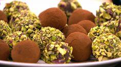 Romkugler med sorte bønner er en lækker opskrift af Emma Martiny fra Go' morgen Danmark, se flere dessert og kage på mad.tv2.dk