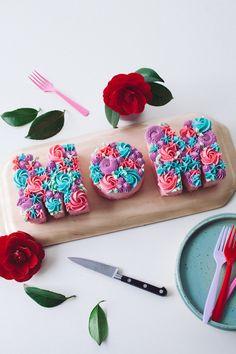 MOM mother's day cake - cococakeland.com
