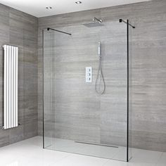 The Essential Guide to Walk In Showers and Wet Rooms Frameless wet room shower with black corners Wet Room Bathroom, Wet Room Shower, Master Bathroom Shower, Bathroom Showers, Shower Window, Rental Bathroom, Shower Drain, Bathroom Closet, Shower Curtains
