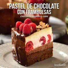 Video von Rico Chocolate Cake mit Himbeeren – kiwilimón – Join in the world Mini Cakes, Cupcake Cakes, Cupcakes, Sweet Recipes, Cake Recipes, Dessert Recipes, Chocolate Raspberry Cake, Cake Chocolate, Delicious Desserts