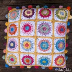 Ekte Lykke: ❤️The Summer Slumber Cushion❤️ Knitted Cushion Covers, Knitted Cushions, Crochet Home Decor, Happy Summer, Blanket, Pillows, Knitting, Inspiration, Throw Pillows