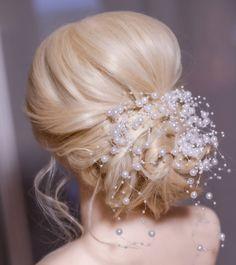 """18 tykkäystä, 1 kommenttia - Caroline Mellenius (@carolinemellenius_makeup) Instagramissa: """"Romantic and soft bridal updo. 💞 #hääkampaus #morsian #bridalhair #häätyyli #morsiustyyli…"""" Diamond Earrings, Jewelry, Instagram, Fashion, Moda, Jewlery, Jewerly, Fashion Styles, Schmuck"""