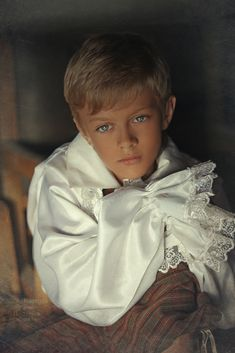 Beautiful Children, Beautiful Boys, Pretty Boys, Cute Boys, Prince Photography, Face Photography, Victorian Children's Clothing, Blade And Rose, Cute 13 Year Old Boys