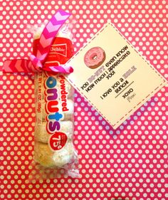 Girls Camp Printable Pillow Treats for Secret Sisters and it includes mini powdered donuts the best donuts around yum! Employee Appreciation Gifts, Volunteer Appreciation, Teacher Appreciation Week, Teacher Gifts, Volunteer Gifts, Employee Gifts, Staff Gifts, Homemade Gifts, Diy Gifts