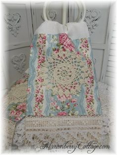 PAIR Guest towels Victorian Garden Pink roses Tea stained