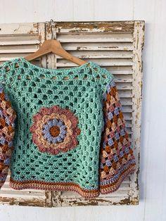 Crochet Waistcoat, Crochet Jumper, Crochet Wool, Crochet Jacket, Crochet Cardigan, Knit Shawls, Granny Square Crochet Pattern, Crochet Motif, Crochet Stitches