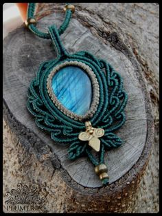 macrame necklace with labradorite designed by plumeria… Macrame Colar, Macrame Bag, Macrame Necklace, Macrame Knots, Macrame Jewelry, Macrame Bracelets, Wire Earrings, Wire Jewelry, Handmade Jewelry