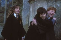 Harry Potter Fans Are Freaking Out Over The Official Hogwarts Sorting Hat Quiz On Pottermore Harry Potter Collage, New Harry Potter Book, Saga Harry Potter, Mundo Harry Potter, Harry Potter Pictures, Harry Potter Characters, Harry Potter World, Hard Harry Potter Trivia, Harry Potter Facts