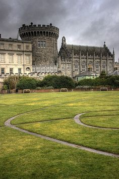 Dublin Castle, Ireland. My heart skipped a beat when I saw this. Can't believe it's already been a year. Left a piece of me there