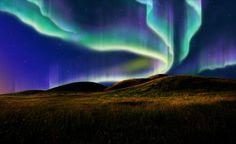 Zorza polarna (Aurora borealis, aurora australis) – zjawisko świetlne obserwowane w górnej atmosferze w pobliżu biegunów magnetycznych planety, która posiada silne pole magnetyczne o charakterze dipolowym (dwubiegunowym).  Na Ziemi zorze występują na wysokich szerokościach geograficznych, głównie za kołami podbiegunowymi, chociaż w sprzyjających warunkach bywają widoczne nawet w okolicach 50. równoleżnika. Zdarza się, że zorze polarne na półkuli północnej obserwowane są nawet w krajach…