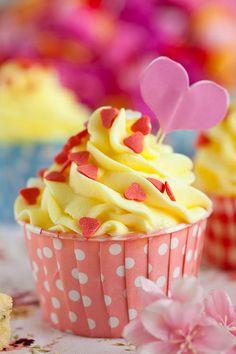Lemon Poppyseed Cupcakes with Lemon Buttercream Frosting