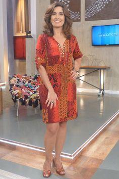 Estilo do Personagem Fashion Tv, Fashion Over 50, Curvy Fashion, Plus Size Fashion, Womens Fashion, Cute Dresses, Beautiful Dresses, Dresses For Work, Summer Dresses