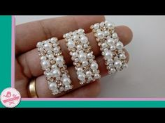 CHUVA DE PÉROLAS FÁCIL || DIY-PAP - YouTube Beaded Braclets, Tassel Jewelry, Beaded Jewelry, Jewelery, Beading Tutorials, Beading Patterns, Pearl Crafts, Hair Bow Tutorial, Bow Accessories
