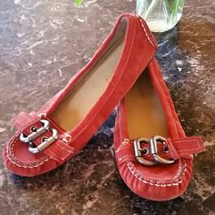 Nine West Persimmon Leather Flats Size 7M Excellent condition Nine West Shoes Flats & Loafers
