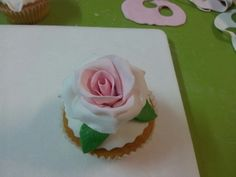 Cupcake with rose