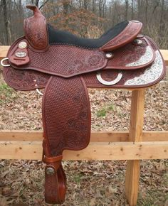 Yet another GORGEOUS reining saddle :D This one is the C09 Heather Johnson Reiner... made for Heather Johnson, so it'll fit all of us awesome lady reiners out there (: