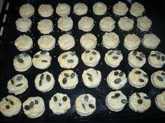 sütnijó! – Kipróbált sütemény receptek - Túrós-sajtos pogácsa Cookies, Desserts, Food, Crack Crackers, Tailgate Desserts, Deserts, Biscuits, Essen, Postres