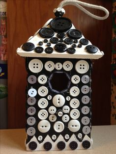 Button Bird House - My sister Brenda would love this.