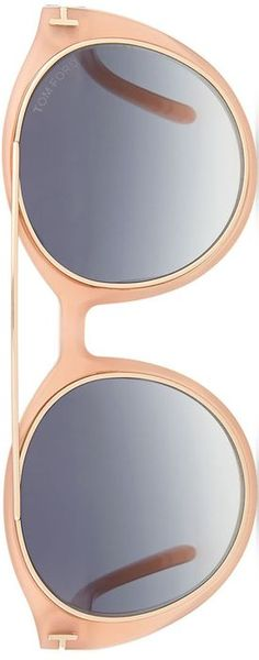 Apricotfarbiger Durchblick (Farbpassnummer 15) Accessoires wählt der helle Farbtyp passend aus seiner hellen Farbpalette. Sie wirken edel, elegant, luftig und frisch - je nachdem ob man zu Pastelltönen oder Naturfarben greift.  Kerstin Tomancok / Image Consultant