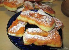 Taratuszki-szybkie,pulchne rosyjskie faworki na kefirze - przepis ze Smaker.pl Baking Recipes, Cake Recipes, Dessert Recipes, Sweets Cake, Cookie Desserts, Dessert Drinks, Dessert For Dinner, Breakfast Pastries, Polish Recipes
