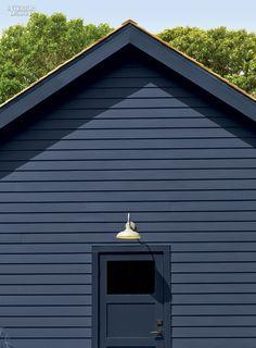 The Barn Reborn: Mark Zeff's House in East Hampton
