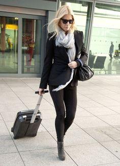 Gwyneth Paltrow - Gwyneth Paltrow Arriving At Heathrow Airport