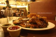 Bigbys Cagayan de Oro: The ultimate combo of their famous barbecued babyback ribs, grilled rodeo chops and smoky pork belly, served with garlic rice, buttered vegetables and crispy onion rings. Choice of dip was barbeque and cranberry.