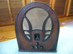 Vintage Philco 89B Baby Grand Cathedral Tube Radio Working