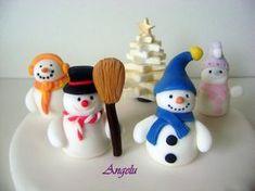 Après les pingouins et le Père-Noël, voici un tutoriel en images pour modeler des bonhommes de neige en pâte à sucre. Laissez aller votre...