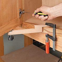 Door Mounting Aid   Woodsmith Tips