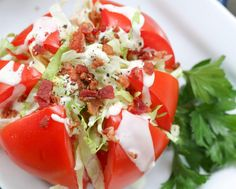 Living Litehouse Guide to Tomato Picking - Tomato Wedge Salad Best Broccoli Salad Recipe, Broccoli Salad Bacon, Bacon Salad, Blt Salad, Vegetable Side Dishes, Vegetable Recipes, Wedge Salad Recipes, Fresh Tomato Recipes, Cooking Recipes