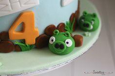 Angry birds cake 3 Angry Birds Cake, Bird Cakes, Desserts, Food, Meal, Deserts, Essen, Hoods, Dessert