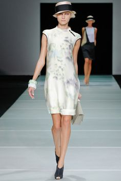 See the complete Emporio Armani Spring 2012 Ready-to-Wear collection.