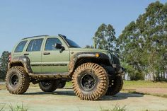 Off Road Jeep Cherokee Limited, Jeep Grand Cherokee, Cool Jeeps, Cool Trucks, Jeep Liberty Lifted, Jeep Zj, Military Jeep, Jeep Commander, 2012 Jeep