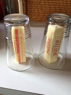 14 Clever Baking Hacks and Ideas That'll Make Baking Easier – XO, Katie Rosario I love to bake but sometimes I need to help in the kitchen! This is a brilliant guide for any home baker. These baking hacks help… Continue Reading → Kitchenaid, Junk Food, Lemon Cake Cookies, Chip Cookies, Three Ingredient Cookies, Store Bought Frosting, Buffet, Baking Tips, Baking Hacks