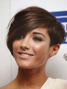 Frankie Sanford, The Saturdays. Im in love with this haircut..but fear my face would look like a balloon....