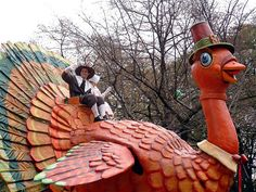 Macy's Thanksgiving Day Parade....Gobble,Gobble. Macys Thanksgiving Parade, Vintage Thanksgiving, Thanksgiving Tablescapes, Thanksgiving Turkey, Happy Thanksgiving, Happy Fall, New York City, Thanksgiving Blessings, Favorite Holiday
