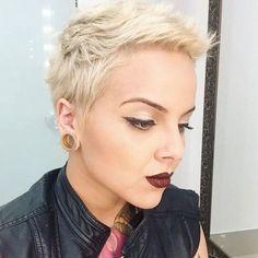 Trend Short Pixie Frisur Ideen im Jahr 2018 Blonde Pixie Haircut, Short Pixie Haircuts, Pixie Hairstyles, Short Hairstyles For Women, Cool Hairstyles, Hairstyle Ideas, Haircut Short, Hairstyles 2016, Cropped Hairstyles