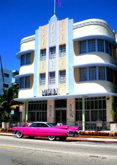 During the Art Deco Walking Tour, you'll explore hotels, restaurants, and other commercial structures, visiting a number of interiors. Photo credit: WikiMapia Best Picture For contemporary art deco in Arte Art Deco, Art Deco Home, Art Deco Era, Art Nouveau, Architecture Miami, Architecture Photo, Miami Art Deco, Modernisme, Streamline Moderne
